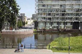 Amsterdams grachtje in Zuidoost