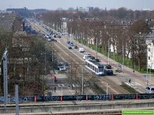 Burgemeester de Vlugtlaan, Slotermeer, vanaf Metrostation richting Plein 40-45