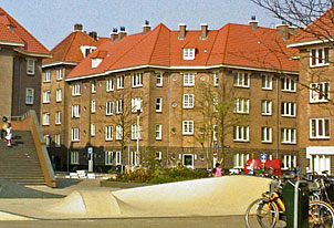 Spaarndammerbuurt, architect De Bazel