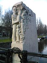 Amsterdam-Zuid, sculptuur Hildo Krop