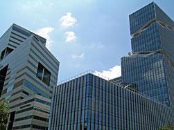 Zuidas, gebouwen Toyo Ito en Rafael Viñoly